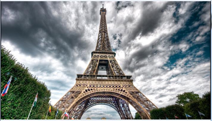 埃菲尔铁塔高清桌面壁纸截图0